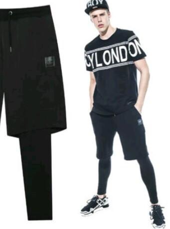 Jungs in engen Leggings oder Radlerhosen ! Wie findet ihr diese neu Mode?