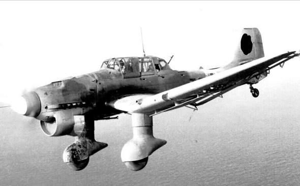 Junkers Ju 87 Stuka oder Iljushin IL-2 Jagdbomber Variante?