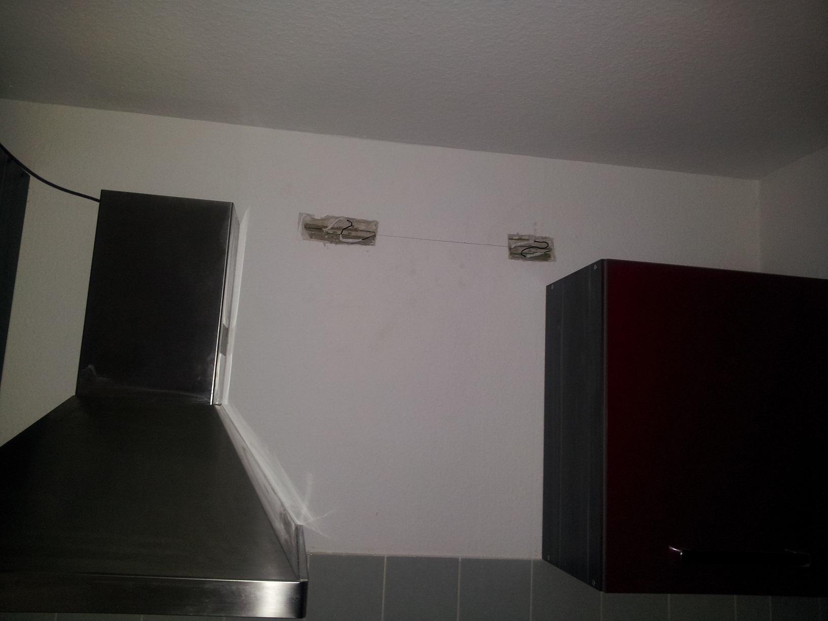 Kabel in Küche bei Hängeschränke aufhängen angebohrt (Mietrecht ...