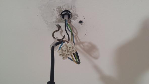 Kabel Von Deckenlampe Verstecken Technik Technologie Licht