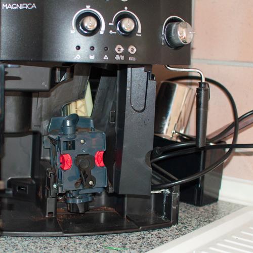 kaffeevollautomat delonghi defekt br heinheit gew hrleistung kaffeeautomat. Black Bedroom Furniture Sets. Home Design Ideas