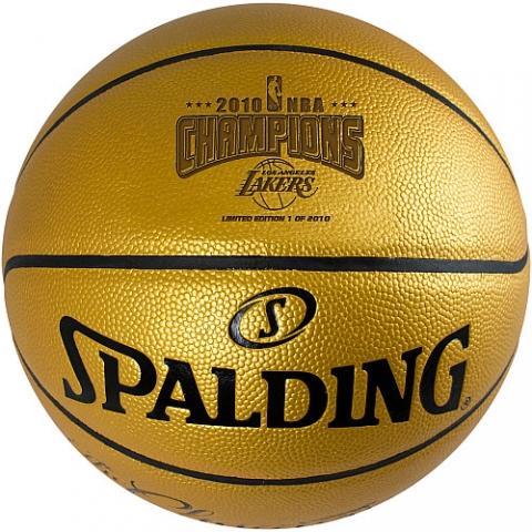 Der erworbene Ball - (Physik, Flugzeug, Basketball)