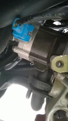 Kann eine Roller Vergaser und Einspritzung gleichzeitig haben?