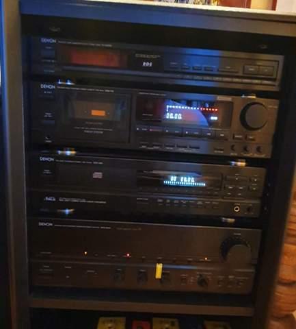"""Kann es sein, dass bei dieser Stereoanlage eine """"Ebene"""" fehlt?"""