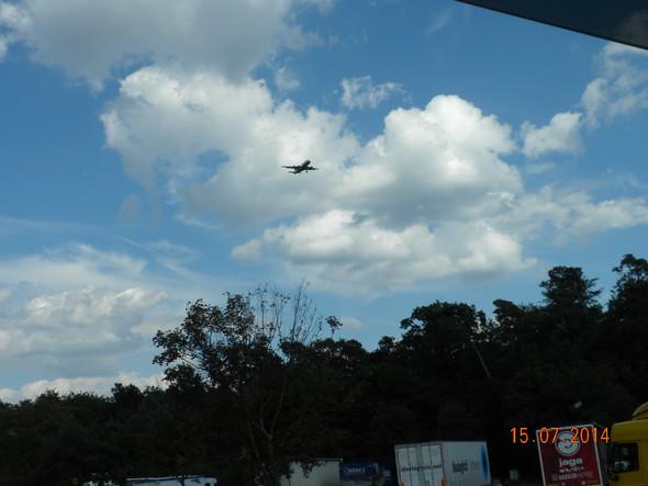 123 - (Flugzeug, Fahrwerk)