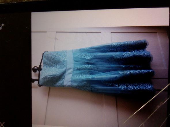 Kann ich als Junge ein trägerloses Kleid tragen?