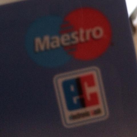 Kann ich mit dieser Karte bei dm ohne Unterschrift sondern mit Pin Bezahlen - (Bank, Karten, DM)