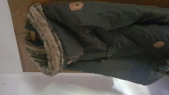 Kann ich diese Jacke von Naketano im Winter gut als Mann