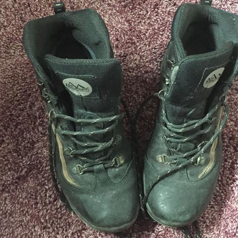 Kann ich diese Trekkingschuhen zum Klettern im Kletterpark anziehen?