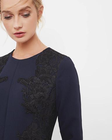 Nahaufnahme der Details - (Mode, Kleidung, Klamotten)