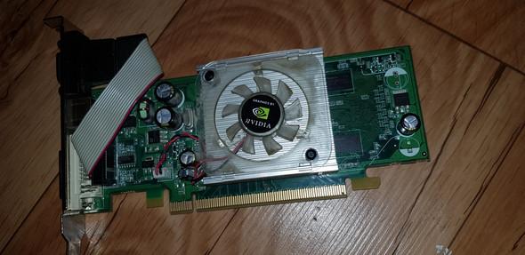 Kann ich in einem MSI C847IS-P33 Mainboard eine Grafikkarte einbauen? Falls ja wo? Und kann ich dann eine NVIDIA Geforce 7500le einbauen?