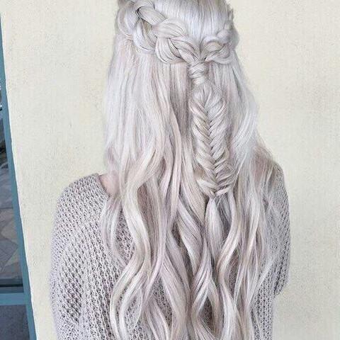Weiß/graue Haare  - (Haare, färben, Frisör)