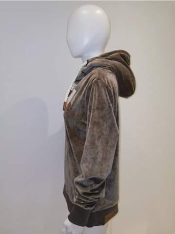 Kann ich Naketano Damen Hoodies anziehen als Mann oder ist das peinlich?