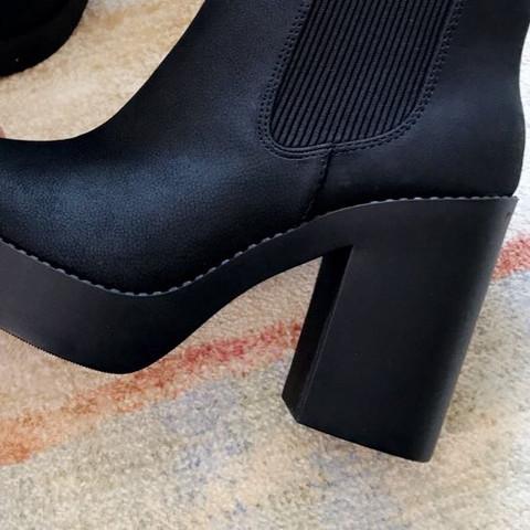 Kann Ich Solche Schuhe Zu Einem Vorstellungsgespräch Tragen Oder