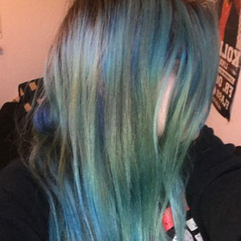 Kann Man Bei Blauen Haaren Einfach Drüber Blondieren Haare Farbe