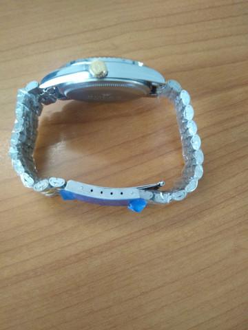 Kann man bei dieser Uhr das Armband verkleinern?