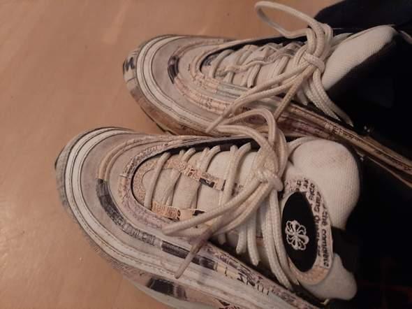 Kann man die Schuhe noch sauber bekommen (97er)?