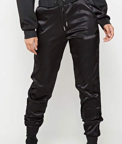 Kann man eine Satin Jogginghose auch als Unisex tragen? als Mann?
