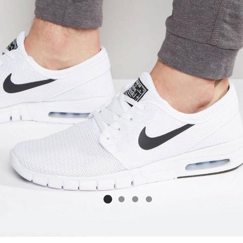 Hier  - (Mode, Kleidung, Schuhe)