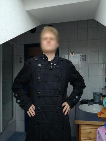 Kann man diesen Mantel auch in der Öffentlichkeit tragen?