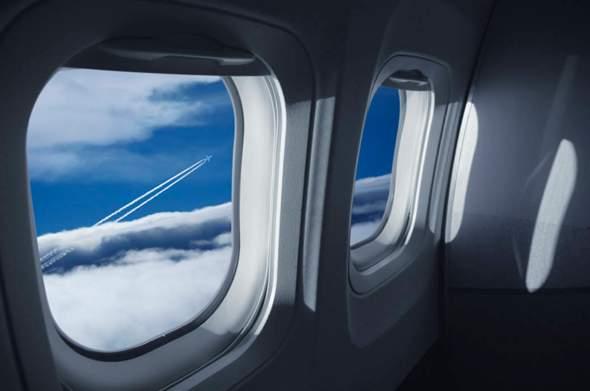 kann man ein flugzeugfenster zerstören?