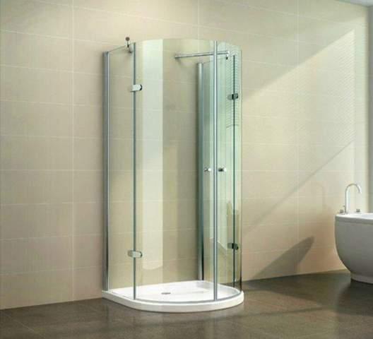 Kann man eine hufeisenförmige Duschkabine auch bei bodenebener Dusche verwenden?