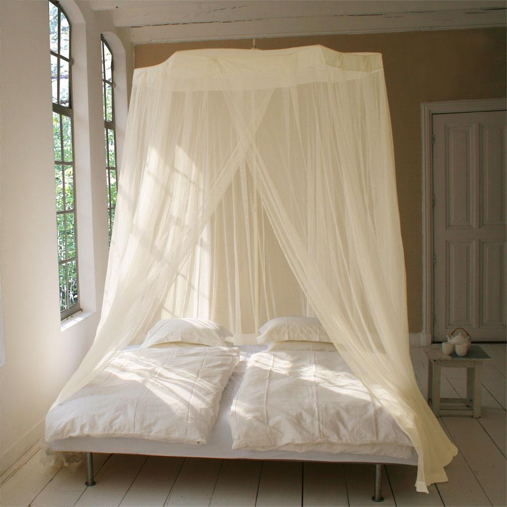 kann man eine led lichterkette ber moskitonetz h ngen. Black Bedroom Furniture Sets. Home Design Ideas