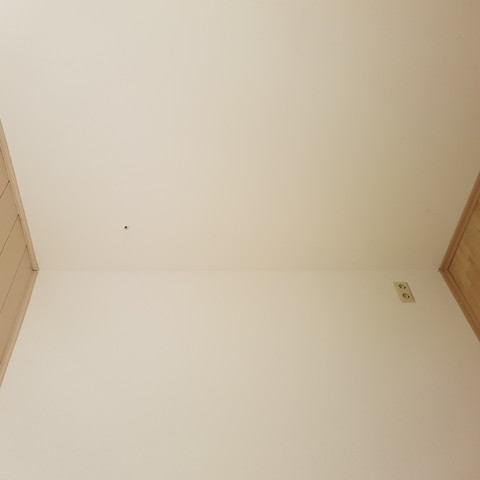 Da wo man das Loch sieht soll der Schacht rauskommen - (Ofen, Kamin, Kaminofen)