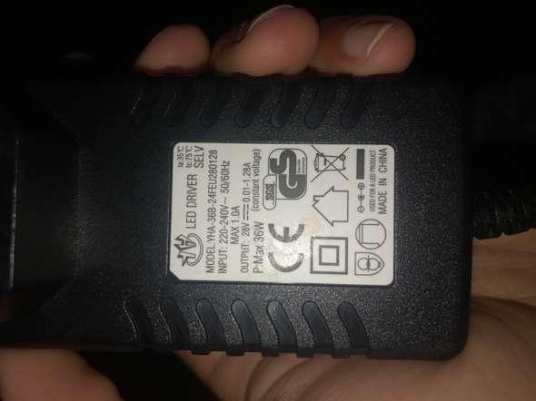 Kann man es reparieren? Leider finde ich nirgendswo ein Ersatz Netzteil mit gleichen Werten. Was würde eine Reparatur kosten? Wie ihr seht ist es abgerissen?