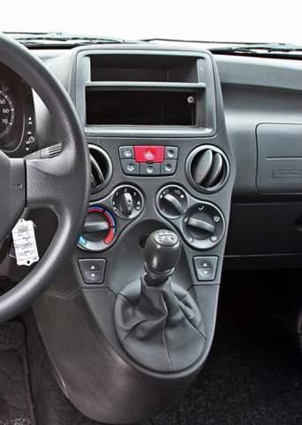Kann man in den Fiat ein Display einbauen?