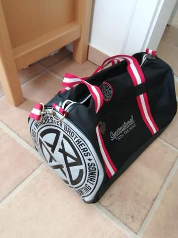 Kann man mit einer Sporttasche ausgehen?
