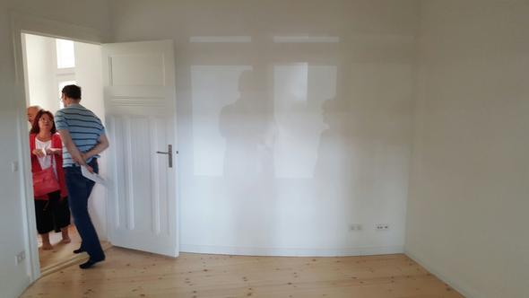 Kann man Möbel z.b. bei IKEA entsprechend der Wandstruktur ...