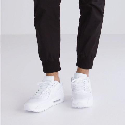 herren nike air max mit jeans tragen