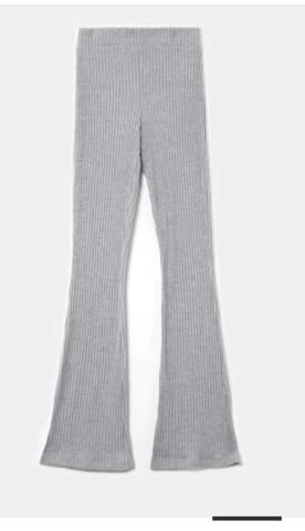 Kann man so  eine high waist flare Leggings auch ohne was drüber tragen?