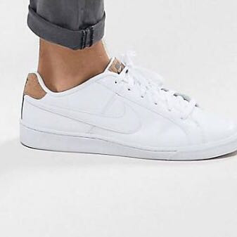 Diese hier  - (Mode, Schuhe, Nike)