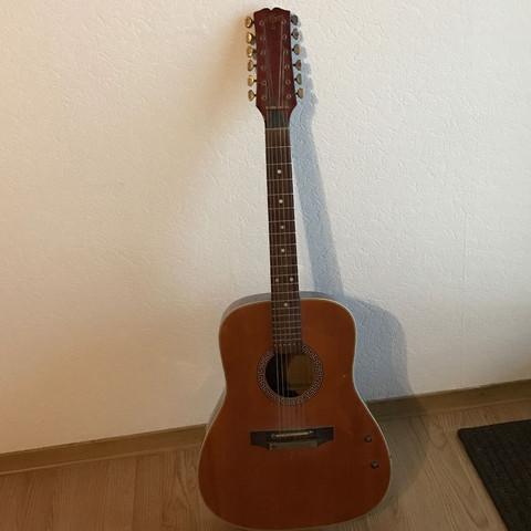 Komplett - (Musik, Geld, Gitarre)