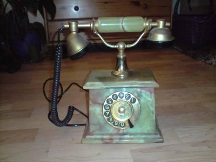 Kann mir jemand etwas zu einem alten Onyx Telefon sagen?