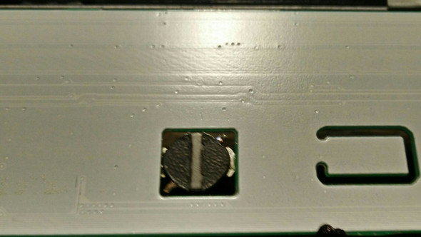Das ding ist in eine Aussparung in das PCB eingelassen. - (Computer, Technik, Elektronik)