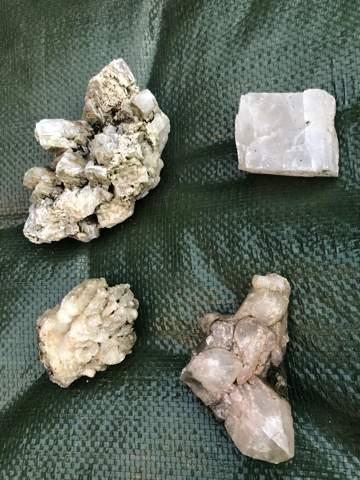 Kann mir jemand sagen, welche Edelsteine diese sind?