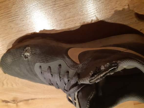 Kaputte Schuhe, warum? (kaputt)