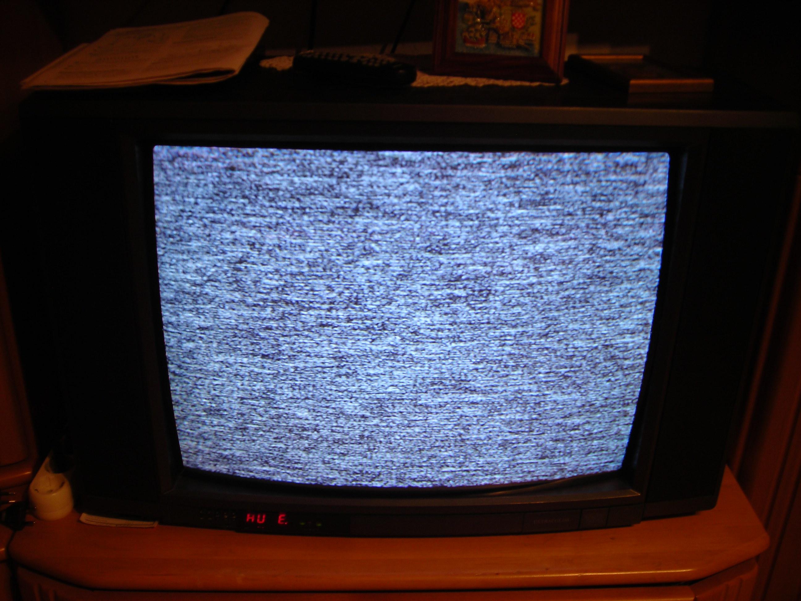 kein bild bei wiedergabe von vhs rekoder was ist das problem fernseher st rung verkabelung. Black Bedroom Furniture Sets. Home Design Ideas
