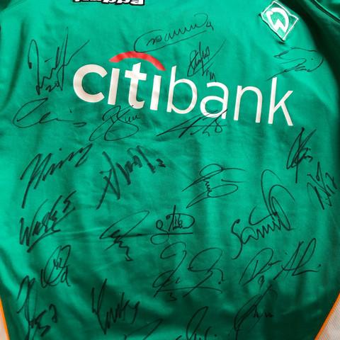 Kennt ihr die Unterschriften von Werder Bremen Spielern? (Bild anbei)?