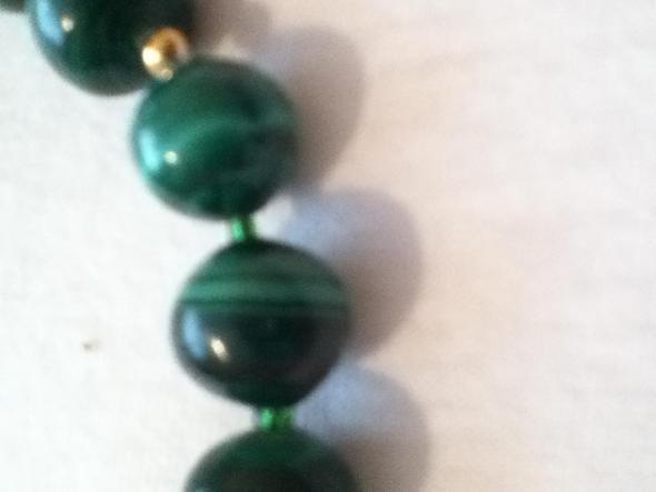 Kette mit grunem stein