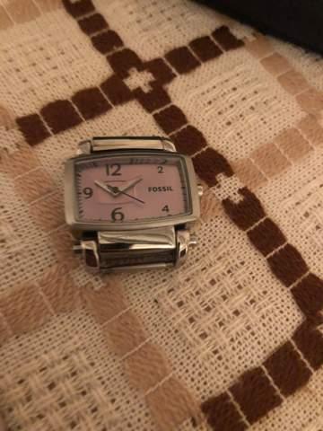Kennt jemand diese Uhr?