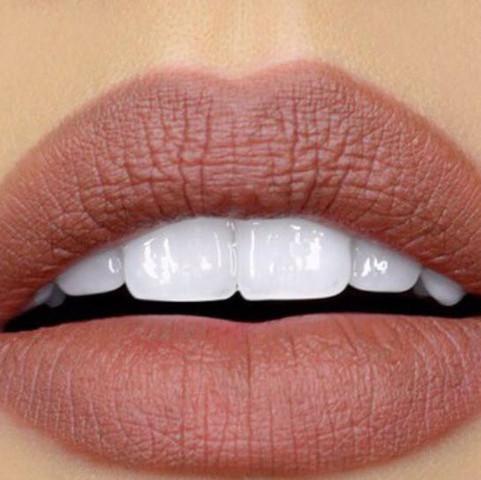 kennt jemand einen lippenstift in dieser farbe drogerie make up schminke