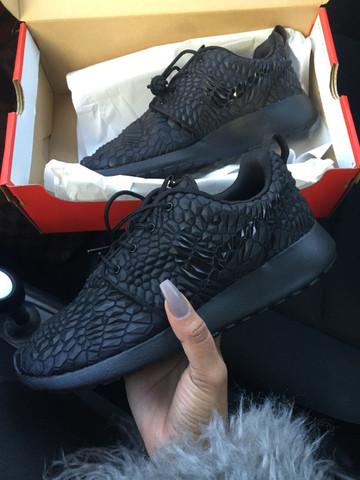 Nike - (Schuhe, Modell)