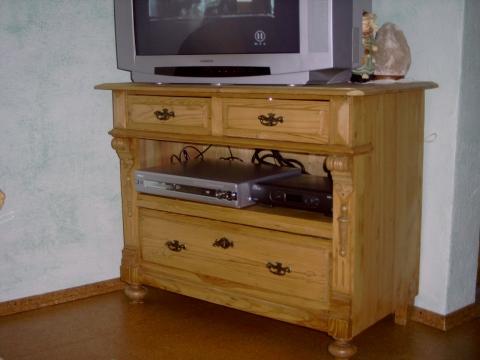 kleines wohnzimmer streichen wohnung farbe renovierung. Black Bedroom Furniture Sets. Home Design Ideas
