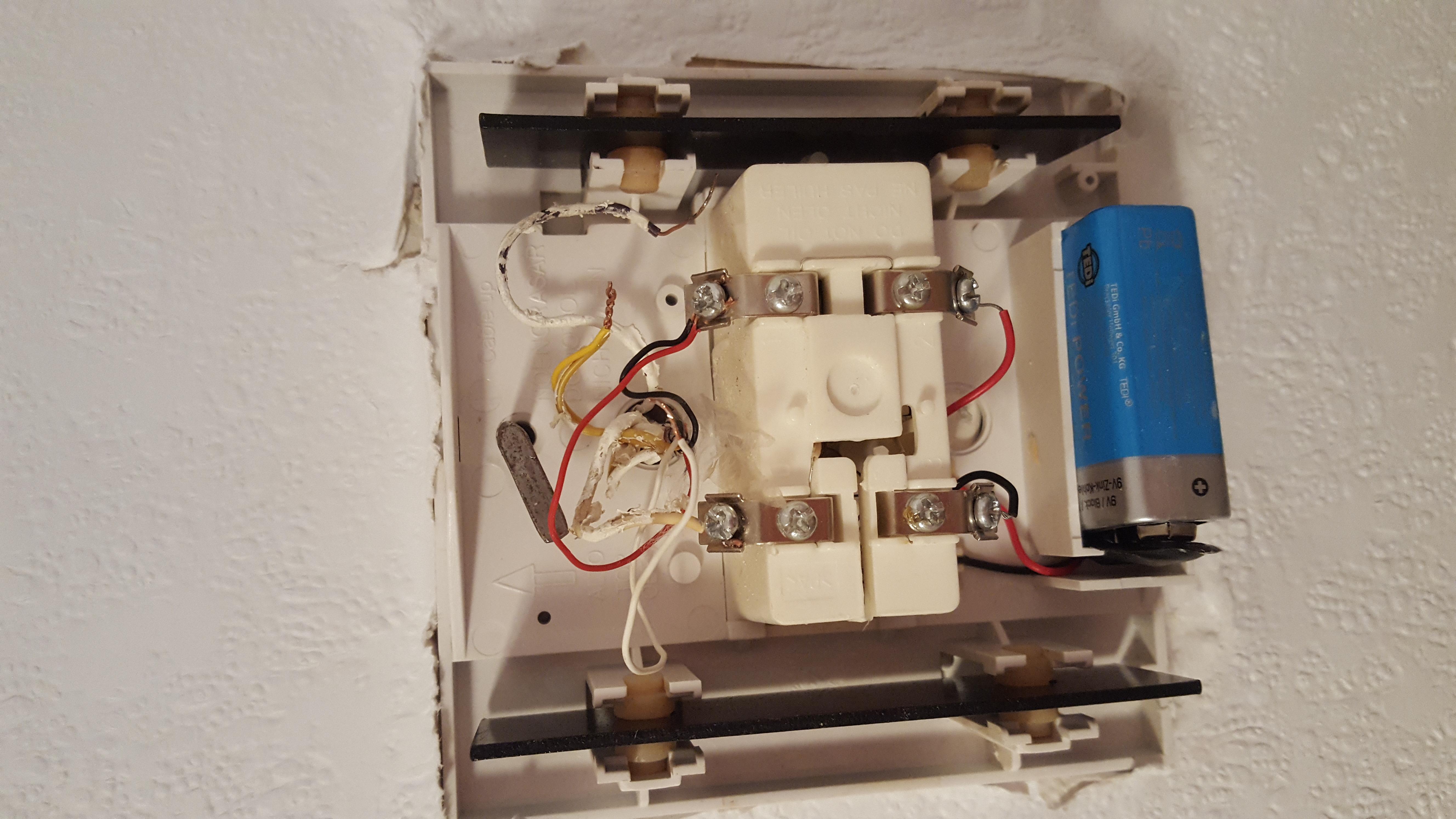 klingel gong wie kabel anschließen? (computer, technik, technologie)