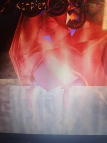 König Zora Rote Schutzhülle befreien?