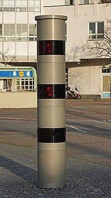 Können diese Säulenblitzer einen auch von hinten blitzen?